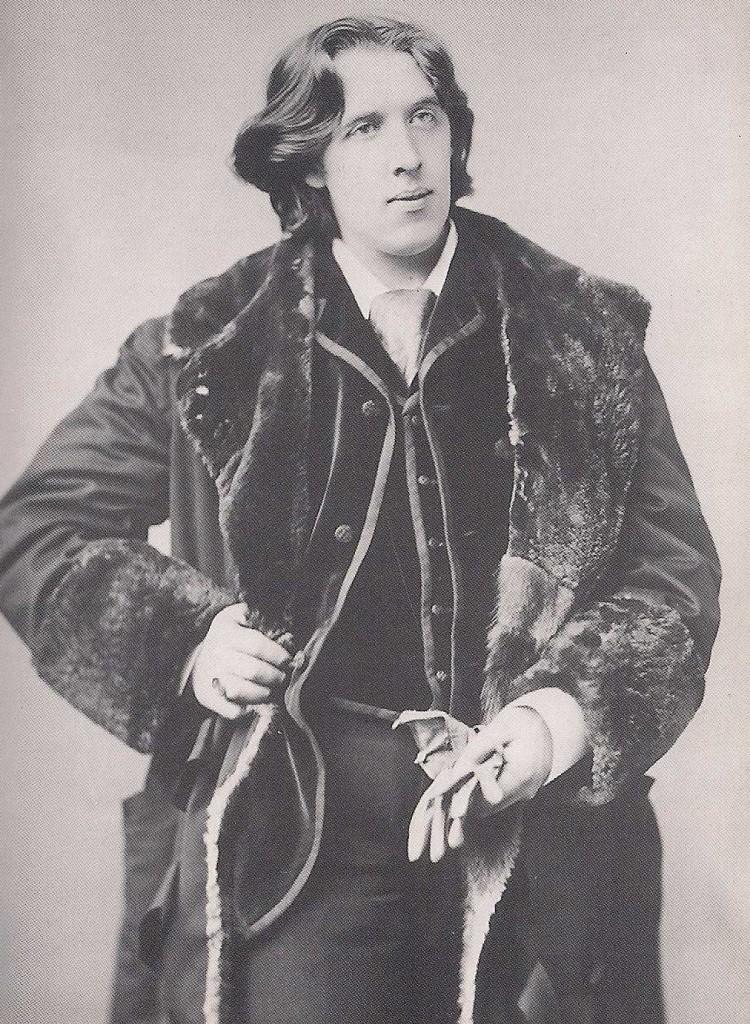 Wilde posando